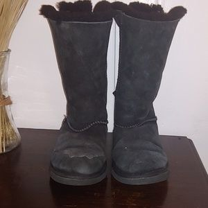 Sale❗Ugg - Bailey Black Boots size 5